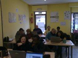 Diez personas de siete nacionalidades distintas participaron en el taller de informática