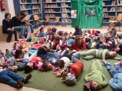 Taller intercultural en la biblioteca de Herrera de Pisuerga