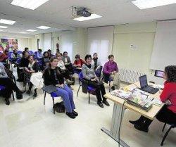 Amics atiende a 40.000 inmigrantes en Castellón desde 2007