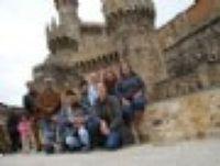 El Centro de Integración Local de Ponferrada visita el Castillo de los Templarios y el Museo de la Radio de la capital berciana